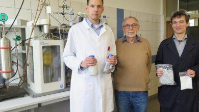 Od lewej: mgr inż. Szymon Wojciechowski, prof. Jan Zawadiak, dr inż. Tomasz Piotrowski, fot. A. Świderska/UM Gliwice