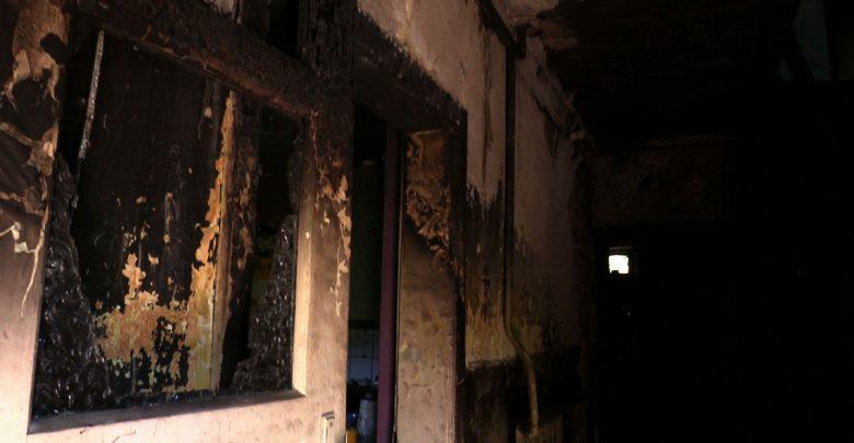 Rybnik: Krzysztof wszystko stracił w pożarze. Cały internet pomaga odbudować jego dom!