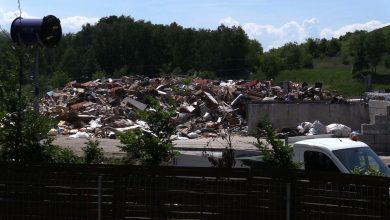 Fetor z wysypiska śmieci przy ulicy Kolberga dotarł na osiedle przy ulicy Patriotów w Rybniku - Boguszowicach