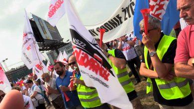 Katowice: Protest pracowników spółki Tauron-Dystrybucja. Żądają podwyżek i innej polityki kadrowej
