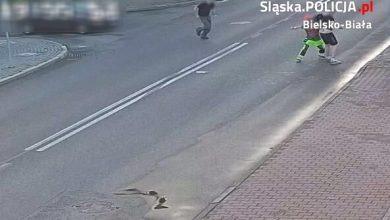 Śląskie: Atak nożownika i bohaterski czyn kierowcy osobówki w Czechowicach Dziedzicach (fot.Śląska Policja)