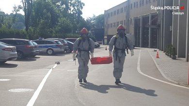 Cieszyn: Podejrzana beczka w pobliżu hotelu Liburnia. Interweniowały wszystkie służby (fot.Śląska Policja)