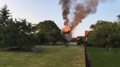 Pożar domu jednorodzinnego w Jaworznie! Płomienie widać z daleka! (fot.dzięki uprzejmości www.jaw.pl)
