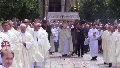 Katowice: Procesja Bożego Ciała przeszła dziśz Kościoła Mariackiego do Archikatedry Chrystusa Króla [WIDEO] (fot.mat.TVS)