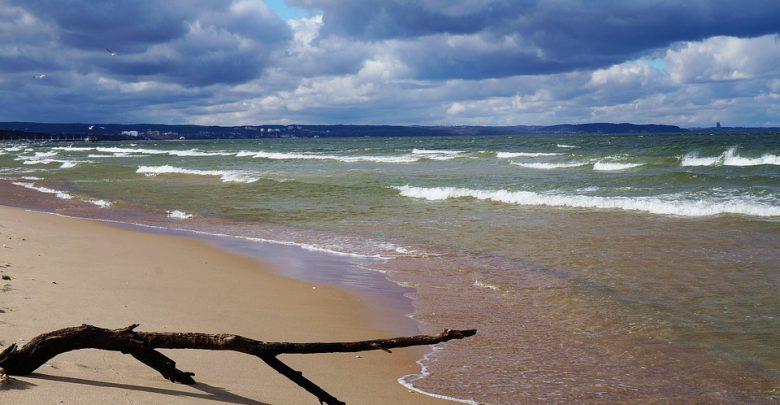 Lato nad Bałtykiem: Niektóre plaże w Polsce będą zamykane!