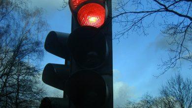 Wjechała na pasy na czerwonym świetle. Potrąciła matkę z 5-letnim dzieckiem [PRZERAŻAJĄCE WIDEO] (fot.poglądowe/www.pixabay.com)