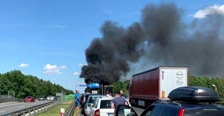 6 osób zginęło! Koszmar na A6 pod Szczecinem! Zderzenie ciężarówki i osobówek skończyło się potwornym pożarem!