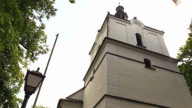 """Sławków: Mieszkańcy nie chcą anten telefonii komórkowej na kościele. """"Żeby w nas nie promieniowały"""""""