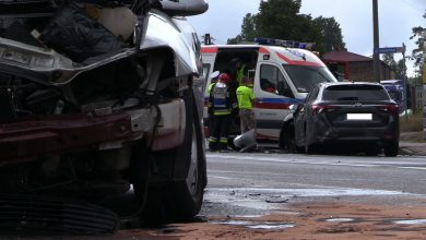 Wypadek na DK 78 w Porębie. Do zdarzenia dwóch samochodów osobowych doszło dziś rano po godz 10, za skrzyżowaniem, na którym można zjechać na Żelisławice
