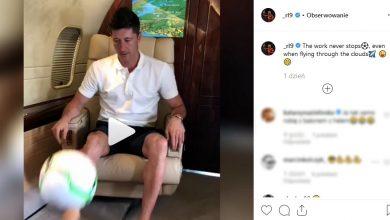 Popisy Lewandowskiego w samolocie. Nie rozstaje się z piłką? (fot. instagram _rl9)