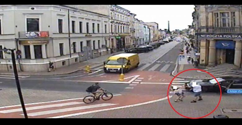 Szok! Kierowca pobił kobietę, wsiadł do auta i próbował przejechać! (fot.AndrzejBorowiak/twitter)