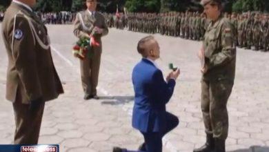 Ależ zaskoczenie! Oświadczył się swojej dziewczynie podczas przysięgi wojskowej!