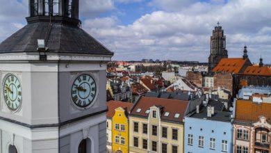 Gliwice: Już wiadomo, która godzina. Remont ogromnego zegara na Rynku zakończony! fot. UM Gliwice/R.Neumann