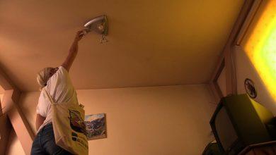 """Ponad 500 energooszczędnych świetlówek LED trafiło do 28 rodzin z Rybnika oraz 27 rodzin z Kozienic. To część akcji """"Zielone światło"""""""