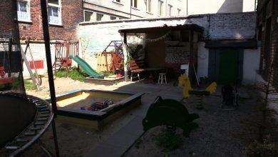 Podwórko w Mysłowicach przy ulicy Powstańców jest pełne nie tylko zabawek ale i szczurów