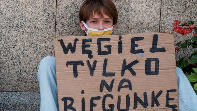 """""""Węgiel tylko na biegunkę"""". Młodzi z Katowic wspierają strajk klimatyczny"""