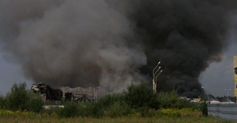 Ogromny pożar sortowni odpadów. Zobaczcie ZDJĘCIA i WIDEO z miejsca akcji