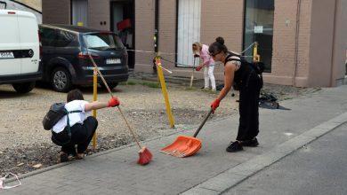 Mieszkańcy sami sprzątają i chcą dać tym samym przykład innym. Mowa o społecznikach z Bytomia, którzy posprzątali Plac Kościuszki (fot.UM Bytom)