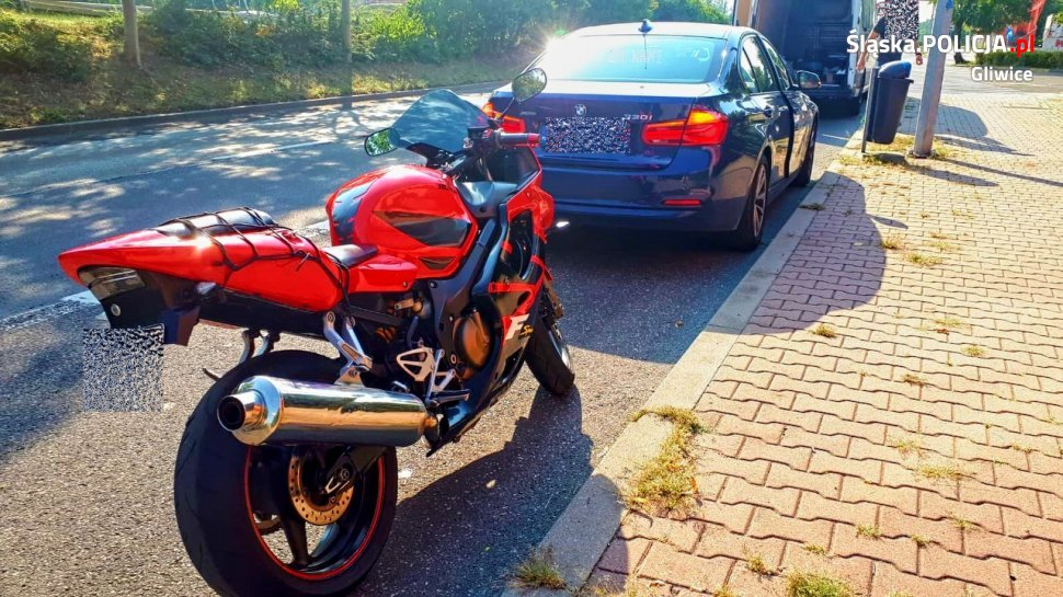BMW kontra pędzący prawie 160 km/h motocykl! Szalony rajd na DTŚ
