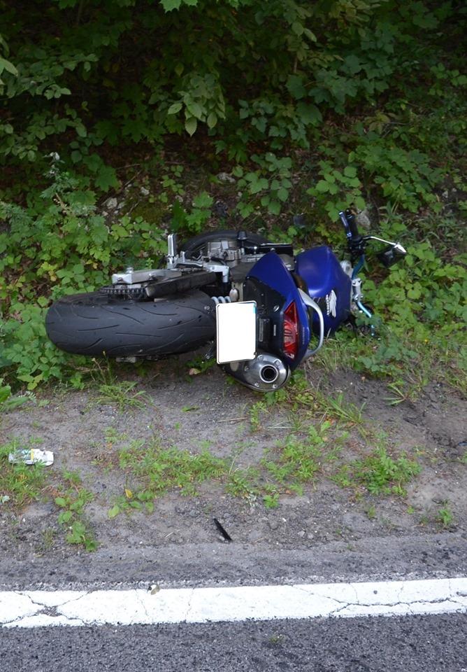 Tragiczny wypadek na drodze z Ogrodzieńca! Pod Olkuszem zginął młody motocyklista! W zdarzeniu ucierpiał także drugi motocyklista - brat mężczyzny, który zginął w zderzeniu! (fot.zawiercie112)
