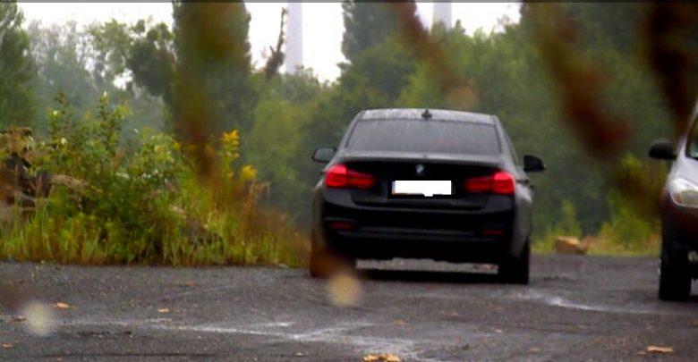 Bytom: kierowca chciał wyrzucić w lesie śmieci. Wpadł w fotopułapkę