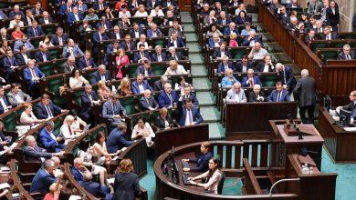 Posłowie i senatorowie dostaną podwyżki. Ile będzie teraz zarabiał poseł?