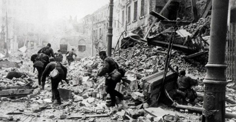 O 17.00 zawyją syreny, zatrzymają się samochody i piesi. Dzisiaj rocznica wybuchu Powstania Warszawskiego