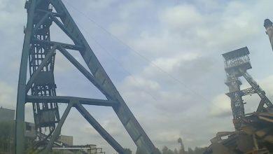 Wieża szybu w Mysłowicach przeszła do historii. Zobacz jak ją wyburzyli [WIDEO]
