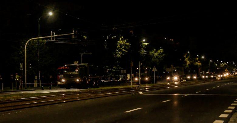 Nocna próba defilady w Katowicach. Na ulicach ponad 1000 żołnierzy [WIDEO]