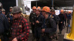-Bardzo dobrze, ludzie mają przynajmniej pracę – ci co tu pracują i młodsze pokolenie - uważa Antoni Tront, pracownik kopalni