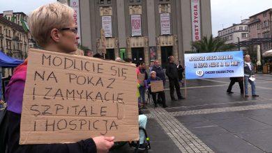"""Katowice: """"Doroślaki"""" protestują. Opiekunowie żądają zmian w systemie opieki nad niepełnosprawnymi"""