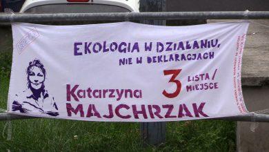 Czarzasty dzwoni do Banasia, banery na prześcieradłach. Kampania wyborcza nabiera rumieńców