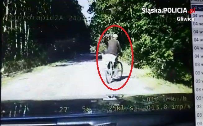 Pijany rowerzysta zatrzymany przez policję (Źródło: KMP Gliwice