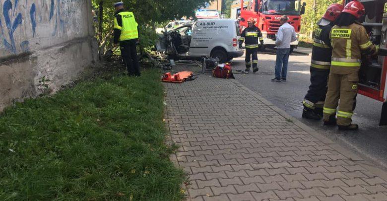 Dąbrowa Górnicza: Wypadek samochodowy. Na miejscu Lotnicze Pogotowie Ratunkowe (fot. Dąbrowa Górnicza 112)