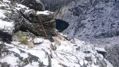 Trudne warunki w Tatrach. Szlaki są ośnieżone i oblodzone
