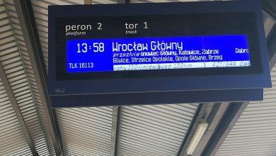 """Awaria pociągu miała miejsce w czwartek, 26 września popołudniu. Na stacji Zawiercie od pociągu TLK """"Sztygar:"""" jadącego do Wrocławia trzeba było odczepić lokomotywę po tym, jak defektowi uległo jedno z kół (fot.Paweł)"""