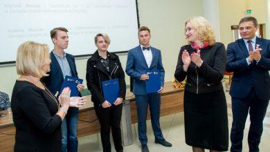 Zarząd Województwa Śląskiego przyznał 30 stypendiów dla najzdolniejszych uczniów naszego województwa (fot.slaskie.pl)