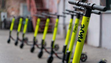 Kolejna firma postawiła w Katowicach swoje hulajnogi. Od teraz mieszkańcy tego miasta będą mogli spróbować przejażdżki na jednej z wielu dostępnych e-hulajnóg od hive (fot.mat.pras)