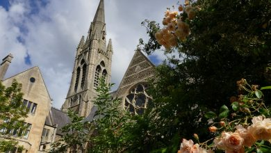 Kościół ostrzega przed koronawirusem! Komunia święta do ręki i niekorzystanie z wody święconej