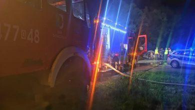 Samochód palił się na środku dorogi! Kobieta spłonęła żywcem! [ZDJĘCIA]