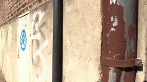 Wyznaczone do zamalowania napisy zostały zgłoszone przez mieszkańców na platformie naprawmyto.pl