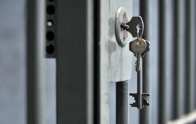 Bytom: Okradli lombard przy ul. Rostka. Dwaj złodzieje zatrzymani (fot.KMP Bytom)