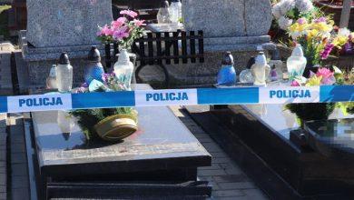 Bytom: Ktoś zdewastował cmentarz przy ul. Jordana. Policja szuka sprawcy i świadków (fot.Śląska Policja)