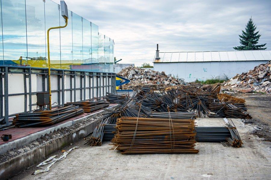 Lodowisko w Bytomiu: rozpoczęły się prace ziemne pod fundamenty nowego obiektu [ZDJĘCIA]