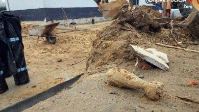 Szkoła w Żorach ewakuowana. Ponad 100 osób w tym uczniów trzeba było ewakuować w poniedziałek, 28 października po tym, jak na terenie szkoły znaleziono bombę!