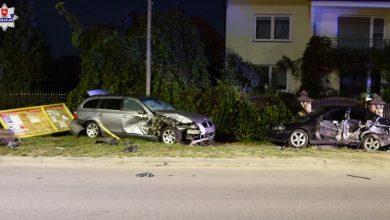 Kompletna demolka i zmiażdżone BMW, w środku dwóch pijanych 14-latków! Zobaczcie finał policyjnego pościgu (fot.policja)
