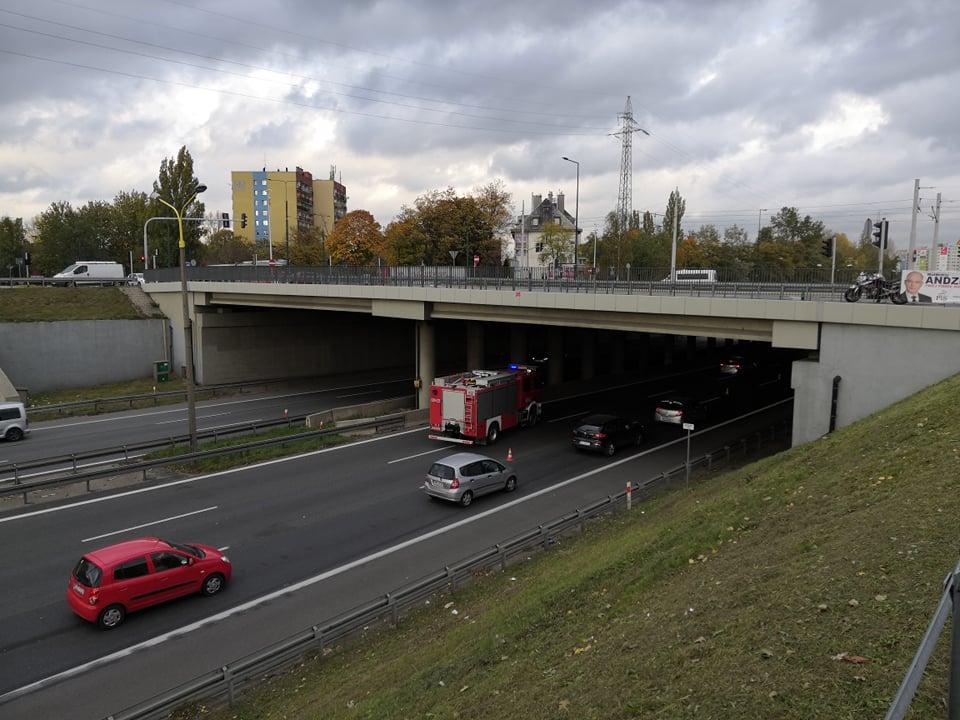 Sosnowiec: Paraliż na S 86! Karambol, 8 rozbitych samochodów i KOREK GIGANT! (fot.Paweł Smalcerz)