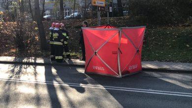 Śmiertelny wypadek w Katowicach - Giszowcu spowodował ogromne korki. Zablokowana jest droga od ulicy Mysłowickiej do Karliczka