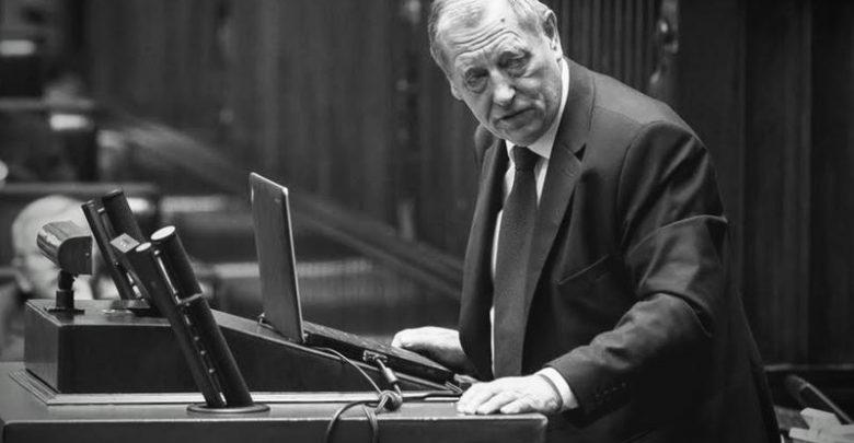 """""""Człowiek wielkiego serca, który zasłużył się Polsce"""". Politycy żegnają prof. Jana Szyszko (fot. sejm.gov.pl)"""