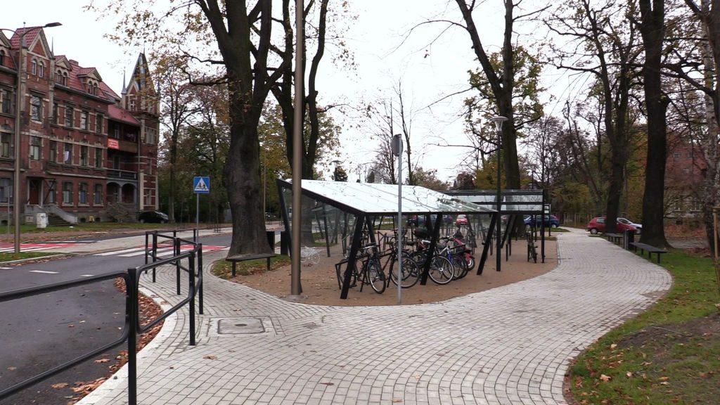 Centrum Przesiadkowe w Pszczynie jest ekologiczne, bo w ramach projektu powstał też parking na 180 rowerów